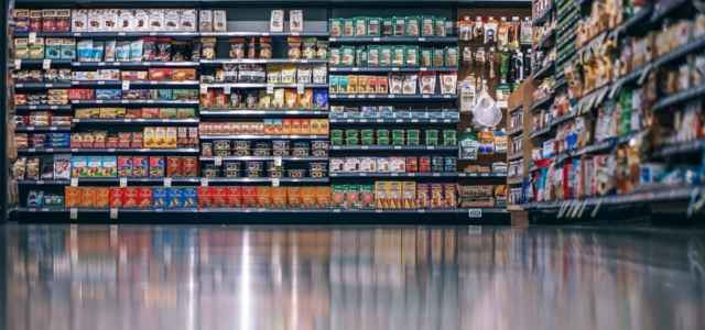 spesa scaffali supermercato pixabay1280 640x300