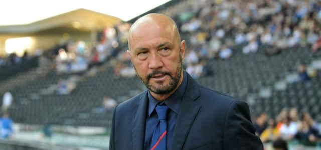 L'allenatore di calcio Walter Zenga