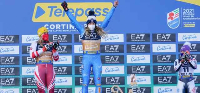 Bassino Liensberger Worley podio parallelo Mondiali lapresse 2021 640x300