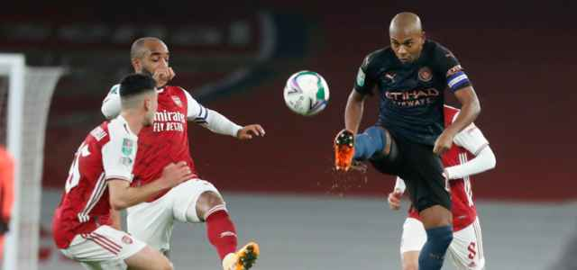 Lacazette Fernandinho Arsenal Manchester City lapresse 2021 640x300