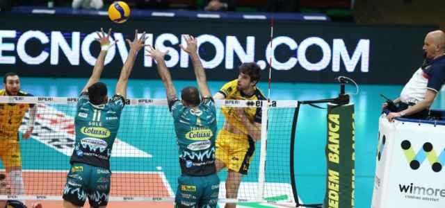 Modena Perugia schiacciata volley web 2021 640x300