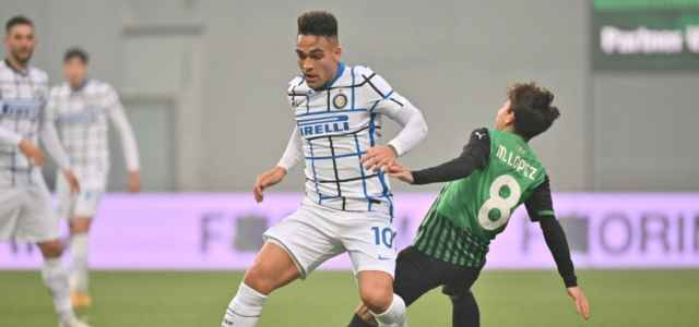 Lautaro Martinez Maxime Lopez Inter Sassuolo lapresse 2021 640x300