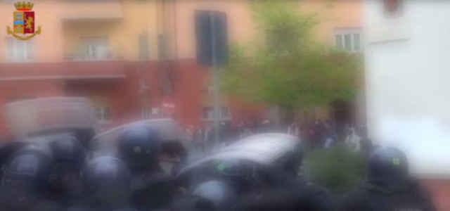 scontri milano video repubblica 640x300