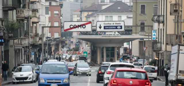 italia chiasso confine svizzera lapresse1280 640x300