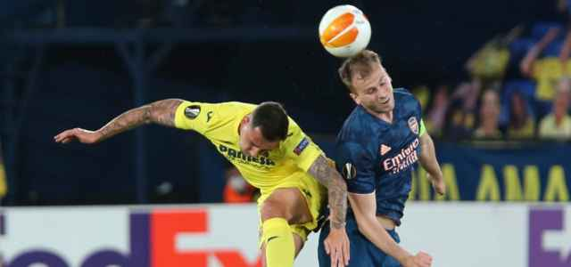 Paco Alcacer Holding Villarreal Arsenal lapresse 2021 640x300