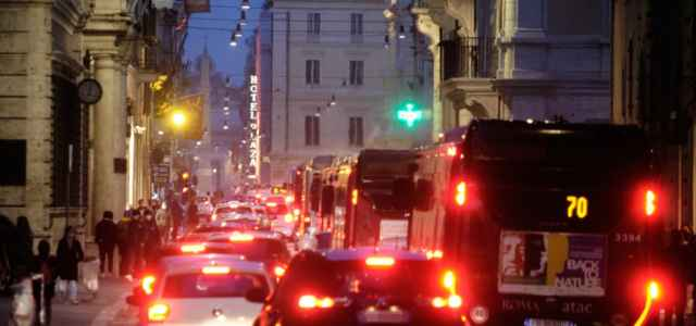 roma traffico lavoro 1 lapresse1280 640x300