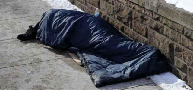 senzatetto napoli 640x300