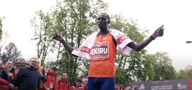 maratona milano ekiru 2021 youtube 640x300