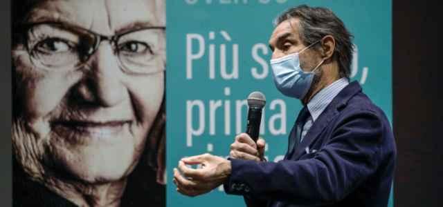 Vaccini Lombardia, Fontana