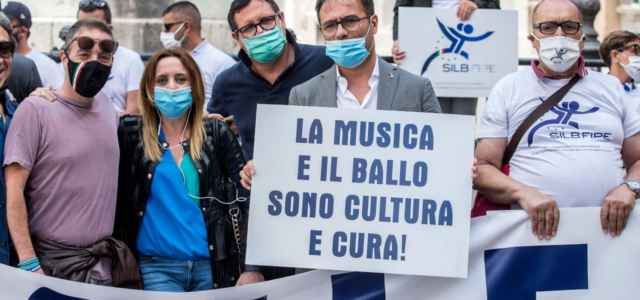 Discoteche, protesta