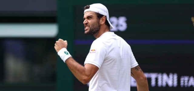 Matteo Berrettini esulta a Wimbledon