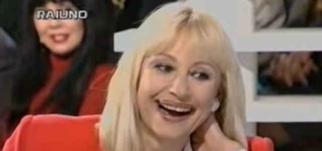 Raffaella Carrà a 'Domenica In' nel '95