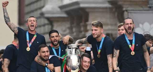 Italia pullman Europei facebook 2021 1 640x300