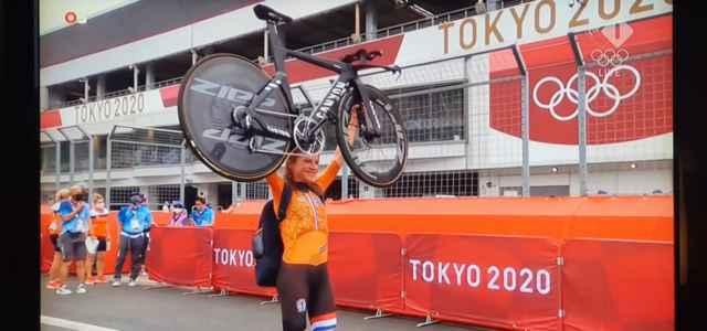 Annemieke Van Vleuten Olanda ciclismo facebook 2021 1 640x300
