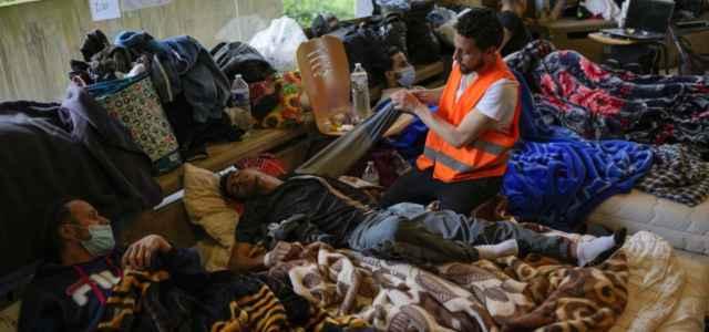 Chiesa accoglie migranti Bruxelles