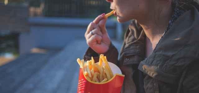 mangiare con mani 640x300
