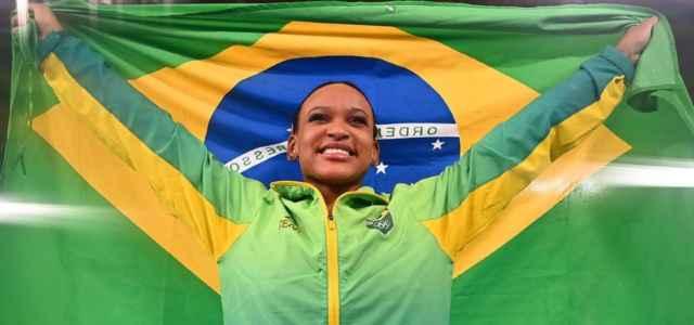 Rebeca Andrade ginnastica Olimpiadi facebook 2021 1 640x300