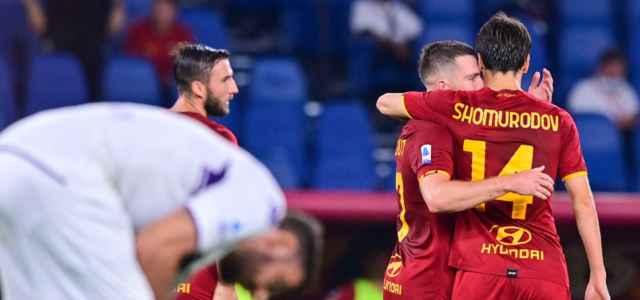 Veretout Shomurodov Roma abbraccio twitter 2021 1 640x300
