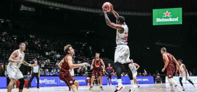 Bryant Crawford Reggio Emilia Venezia basket Twitter 2021 640x300