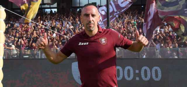 Franck Ribery Salernitana presentazione Twitter 2021 1 640x300