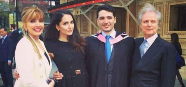 Milly Carlucci in compagnia del marito Angelo e dei figli Angelica e Patrick