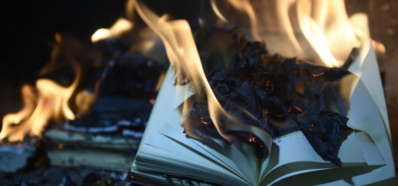 libro fuoco pixabay1280