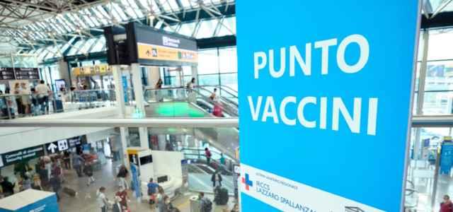 coronavirus covid vaccino 17 lapresse1280 640x300