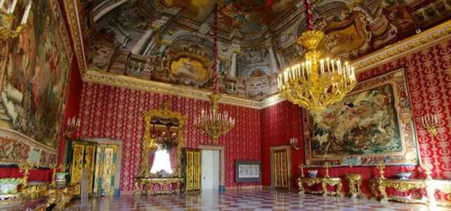 Palazzo Reale Napoli 640x300