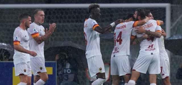 Roma bianca gruppo gol lapresse 2021 640x300