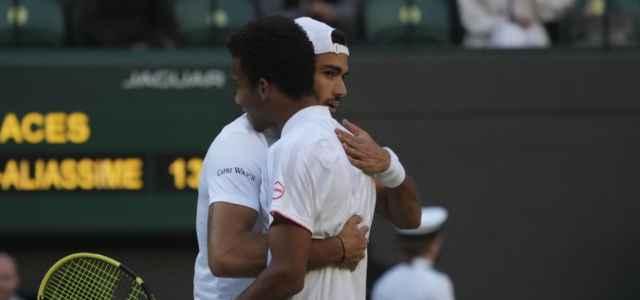 Berrettini Auger Aliassime abbraccio Wimbledon lapresse 2021 640x300