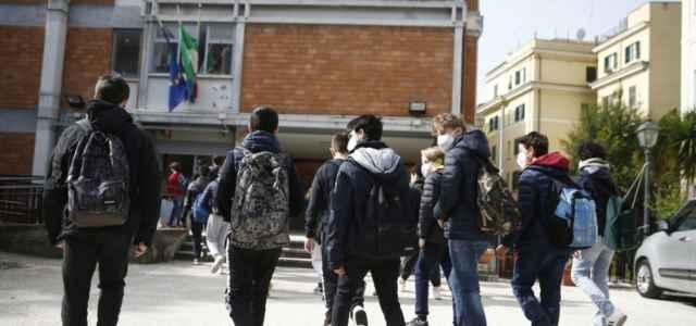 scuola studenti giovani 8 lapresse1280 640x300