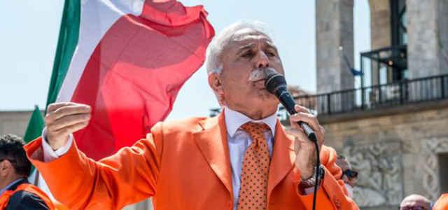L'ex generale Antonio Pappalardo, leader dei Gilet Arancioni