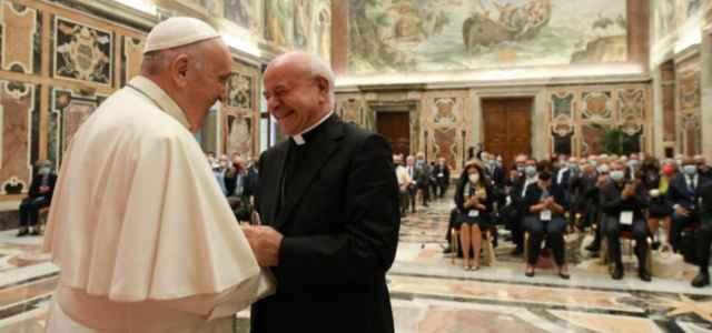 Papa con Mons. Paglia