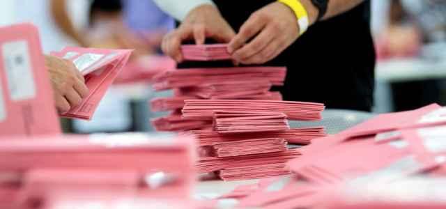 germania elezioni scrutinio 1 lapresse1280 640x300