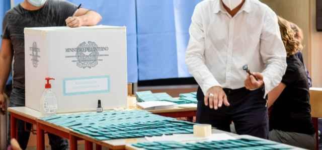 Elezioni, operazioni seggi Milano