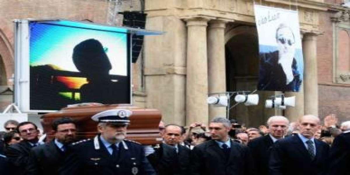 Funerali Lucio Dalla Marco Alemanno Legge Le Rondini Le Lacrime Video