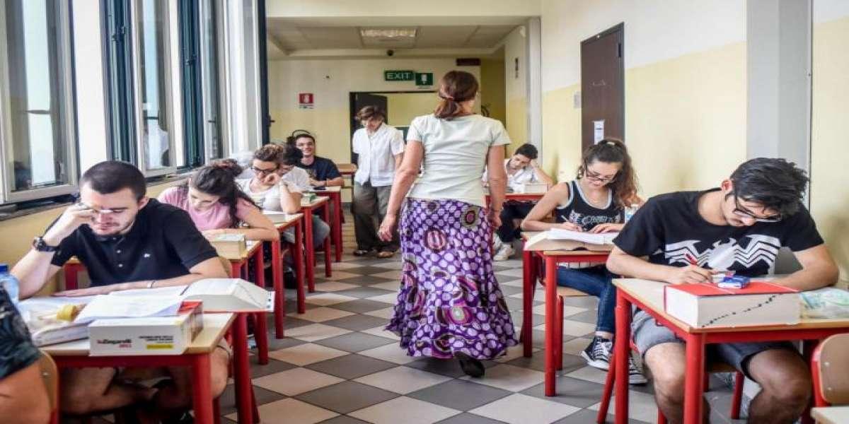 3bb12706d2 MATURITA' 2018, PRIMA PROVA DIRETTA/ Tema Italiano ultime notizie: gli  esiti, i temi svolti e una curiosità.