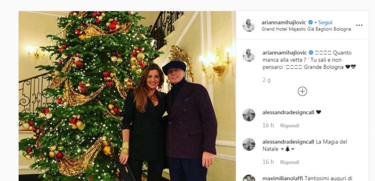 Auguri Di Natale Per Sportivi.Auguri Sportivi Di Natale 2019 Cristiano Ronaldo Insieme A Babbo Natale Al Mare